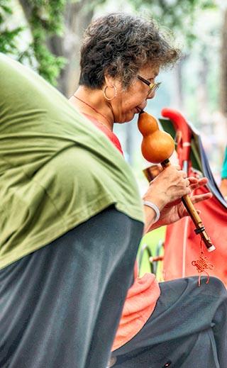 flute player beijing