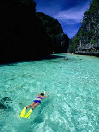 Snorkelling in the Big Lagoon, El Nido, Miniloc Island, Palawan, Philippines