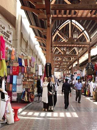 Textile Souk, Bur Dubai, Dubai, United Arab Emirates, Middle East