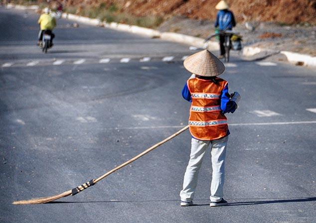 street sweeper saigon