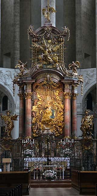 church altar salzburg