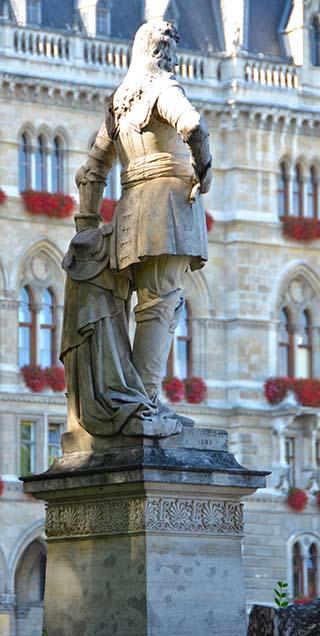 statue vienna