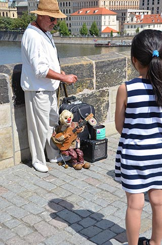charles bridge entertainer