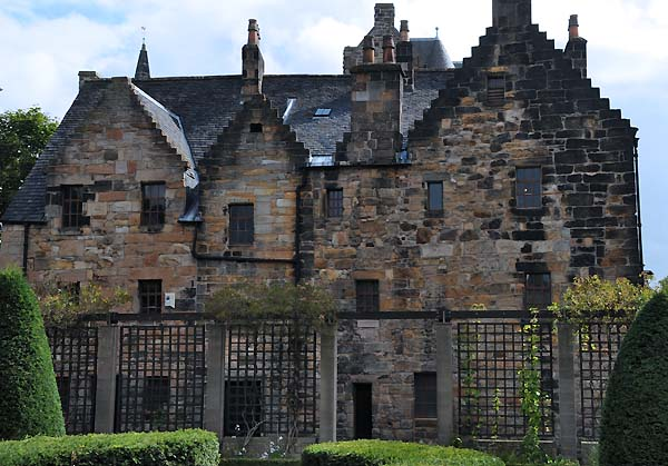 glasgow's oldest house
