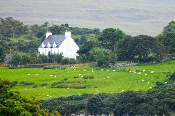 valley house on the isle of skyeskye