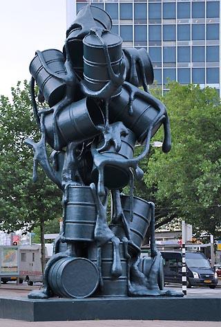 oil can statue rotterdam