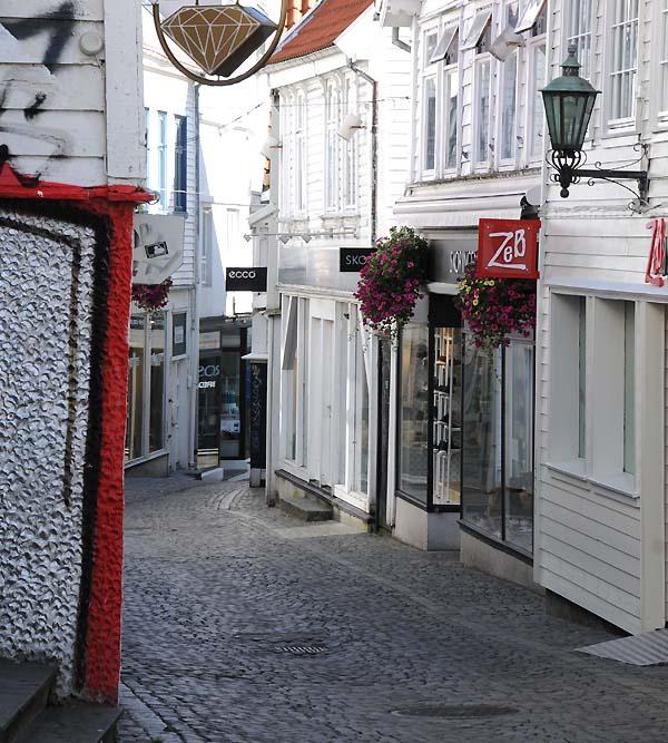 shopping street stavanger norway
