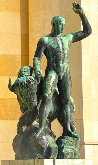 tall statue paris