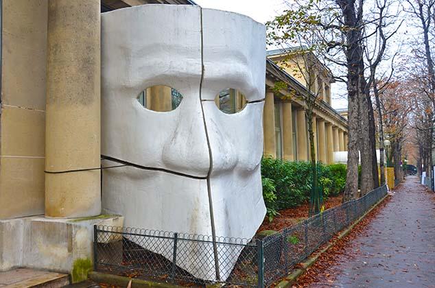 museum sign paris