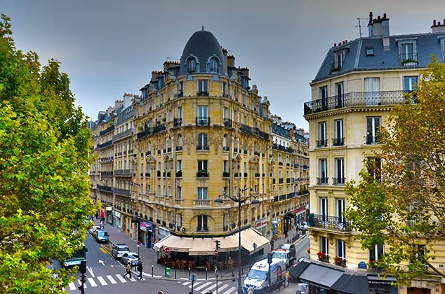 street corner paris