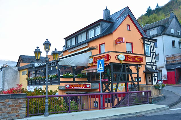 corner cafe cochem germany