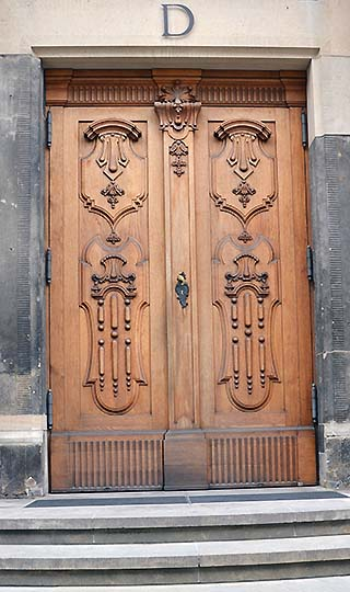 wooden door dresden germany