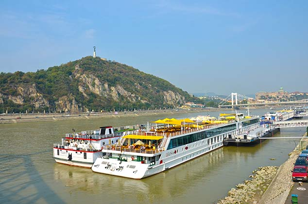 river boats budapest