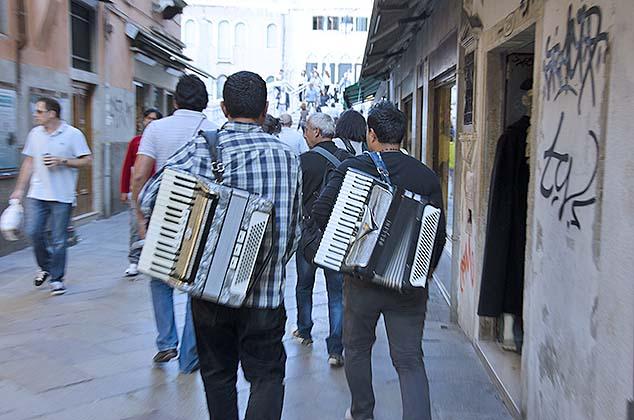 street musicians venice
