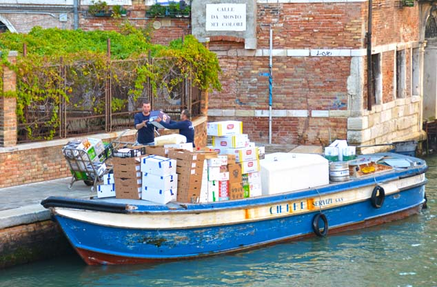 delivery boat venice