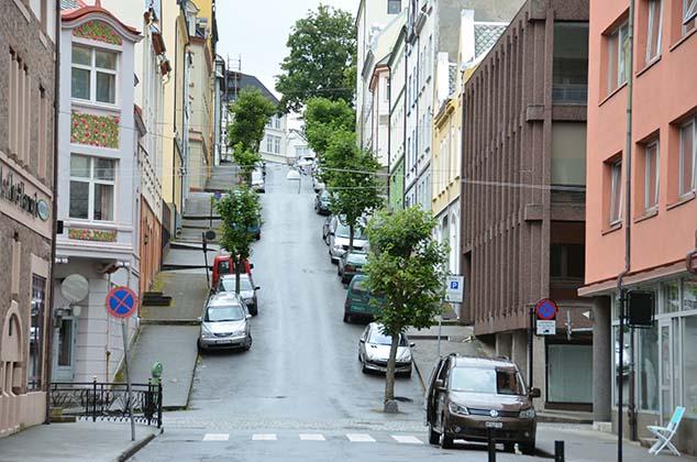 hilly street alesund norway