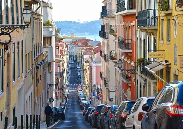 hilly street lisbon