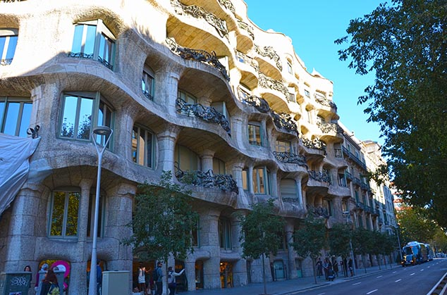 gaudi style barcelona