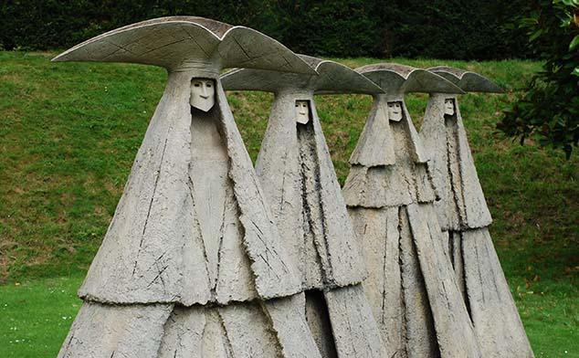 statues arundel castle