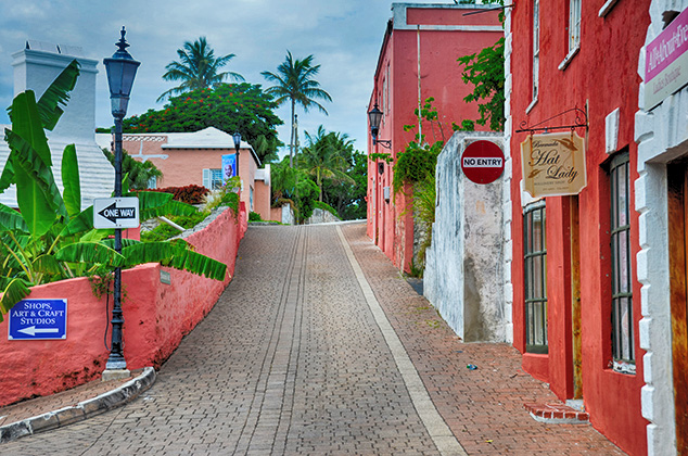 colorful street bermuda