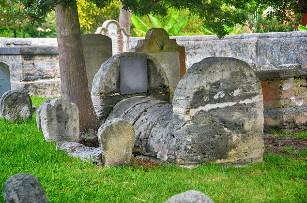 graves in bermuda