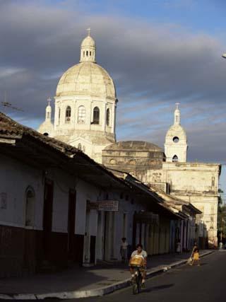 Avenida Calzada and the Neo-Classical Cathedral, Granada, Nicaragua, Central America