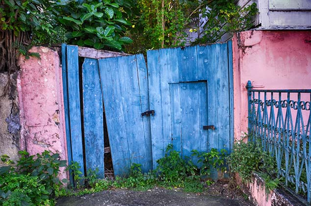 colorful door antigua