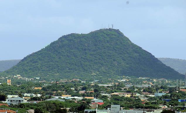 aruba highest point
