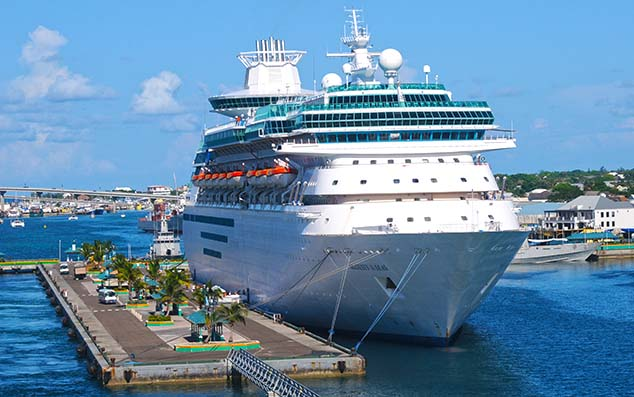 cruise ship in port bahamas