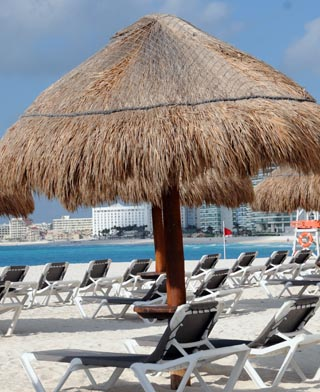 beach umbrella cancun