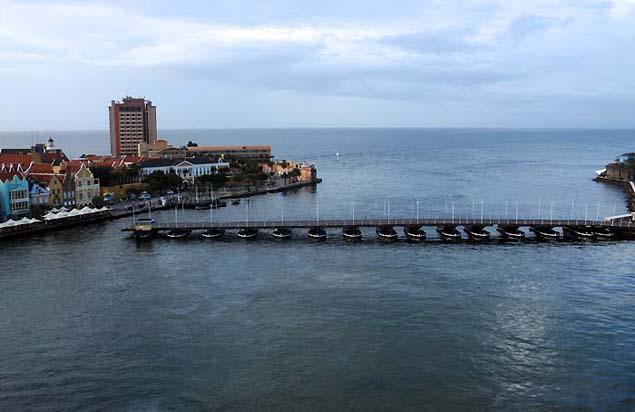 harbor bridge curacao