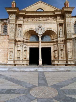Basilica Menor, Santo Domingo, Dominican Republic, West Indies, Caribbean, Central America