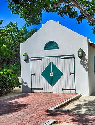 grand turk garage