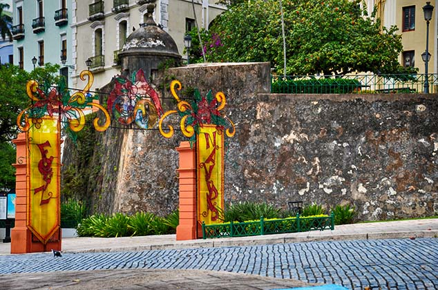 gate old san juan