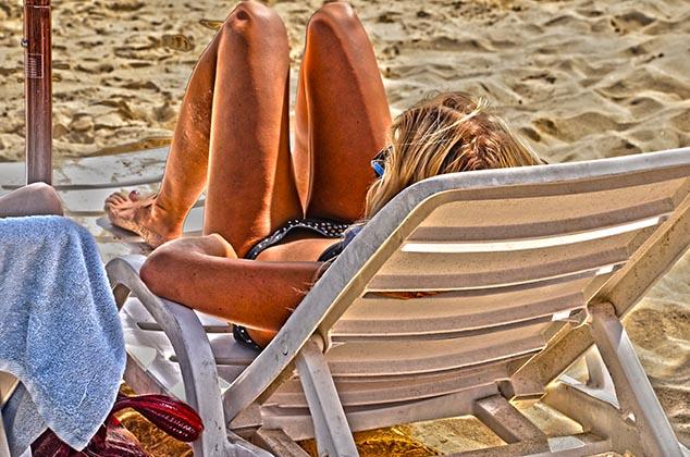 beach scene huatulco mexico