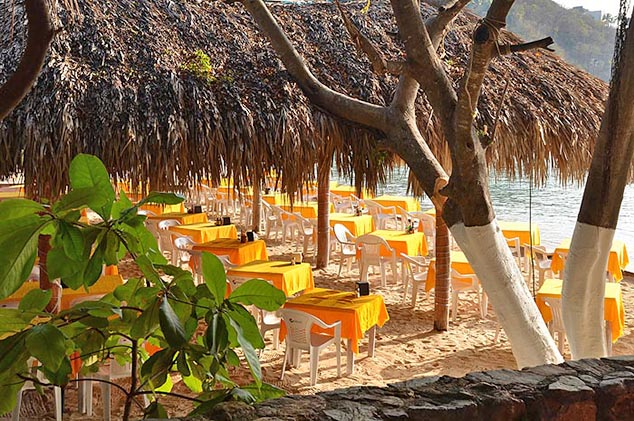 beach cafe huaulco mexico