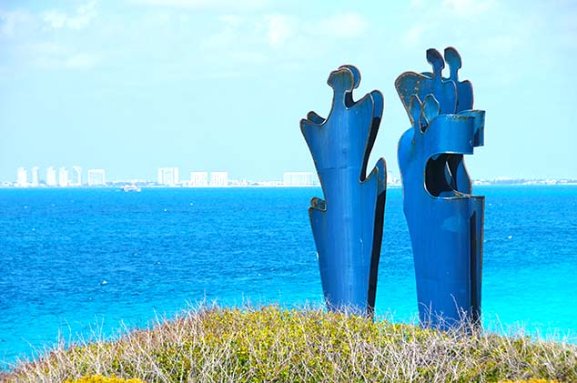 statues isla mujeres