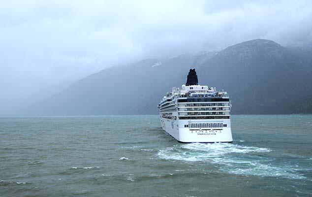 cruise ship glacier bay