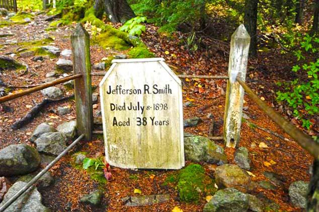 jeff smith grave akagway alaska