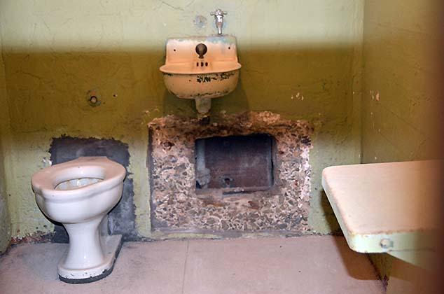 alcatraz escape cell