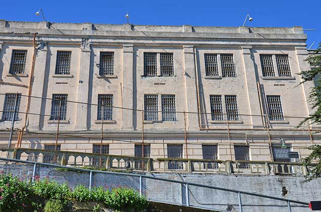 alcatraz walls