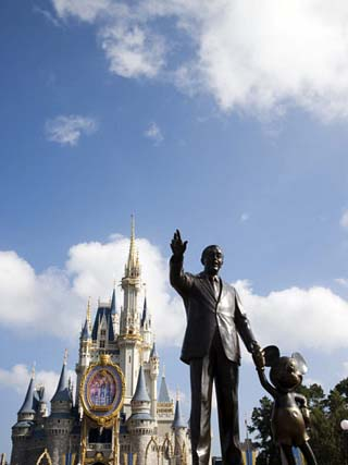 Statue of Walt Disney and Micky Mouse at Disney World, Orlando, Florida, USA