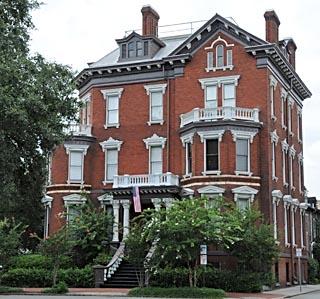 Savannah georgia map things to do in savannah telfair for Historic houses in savannah ga