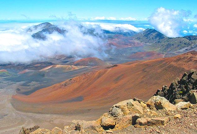 halealaka crater hawaii