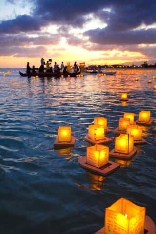 Lantern Floating Festival, Memorial Day, Ala Moana Park, Honolulu, Oahu, Hawaii, USA