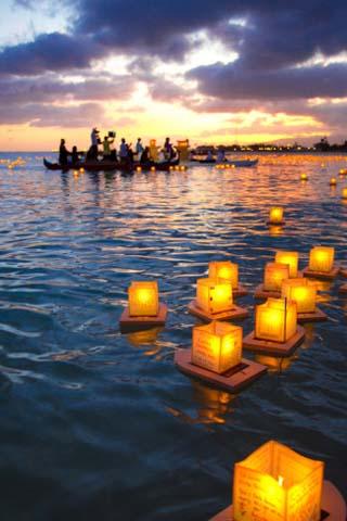 Lantern Floating Festival, Memorial Day, Ala Moana Park, Honolulu, Oahu, Hawaii, USA