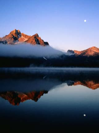 Dawn at Stanley Lake, Sawtooth Mountains, Near Stanley, Stanley, Idaho