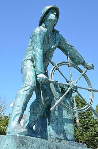 fisherman statue gloucester