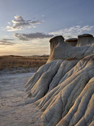 Sunrise in the Badlands, Theodore Roosevelt National Park, North Dakota, USA, North America
