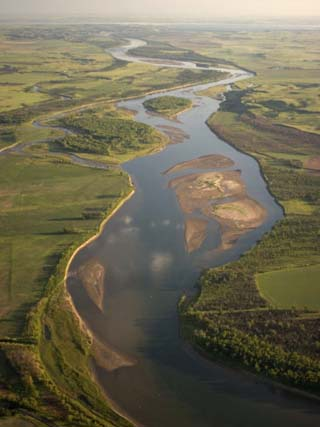 Missouri River Winds Through the Plains of North Dakota